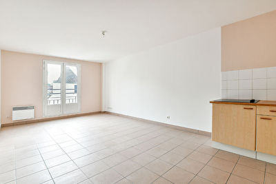 Appartement Fontenay Tresigny 2 pièce(s) 40.18 m2